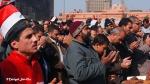 Rezo colectivo en toda la Plaza Tahrir / Mángel Sevilla. El Cairo