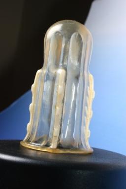 """Rápex, el preservativo femenino y con """"dientes"""" / http://blog.foreignpolicy.com"""