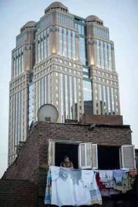 Lujo y pobreza en un click, El Cairo